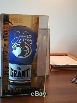 Floyd Mayweather JNR Signed Boxing Glove comes with Certificate of Authenticity