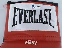 Floyd Mayweather Jr. Autographed Signed Red Everlast Boxing Glove (Light) Q46429