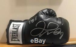 Floyd Mayweather Signed Boxing Glove TBE inscription