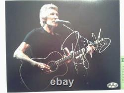 PINK FLOYD Founder ROGER WATERS Hand-Signed Autographed 8x10 Photo with COA