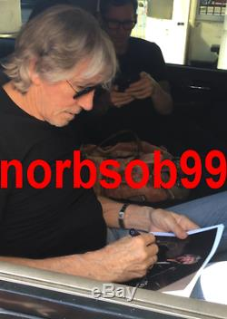 ROGER WATERS SIGNED PINK FLOYD THE WALL 8x10 PHOTO withEXACT PROOF BECKETT BAS LOA